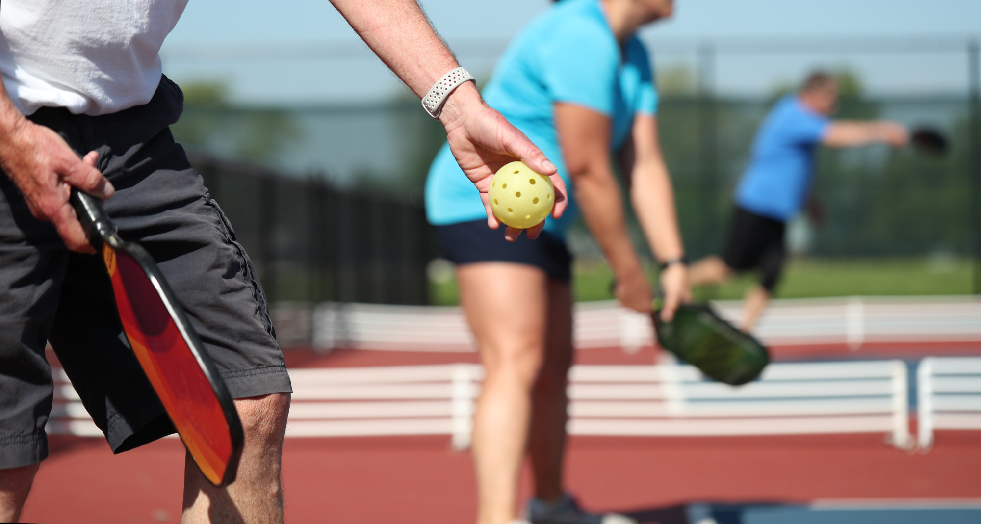 Want Your Pickleball Game To Be The Biggest Hit? Use The Pro Tips For The Best Serve!
